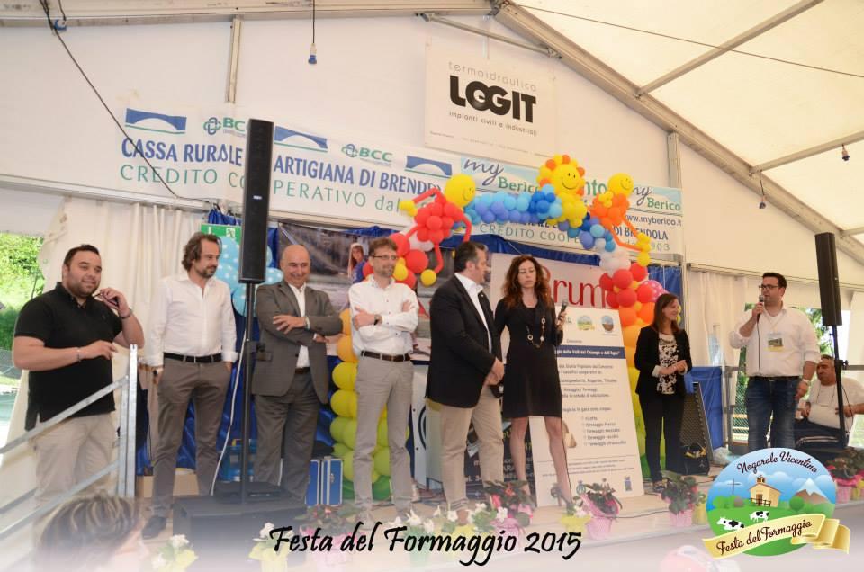 Le Autorità sul palco delle premiazioni del Concorso.